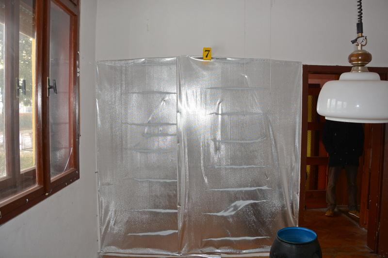 ПРИЈЕДОР, 16. ЈАНУАРА /СРНА/ - У стамбеном објекту у Козарској Дубици који користи лице чији су иницијали П.П. полиција је пронашла импровизовану лабораторију за узгој марихуане.